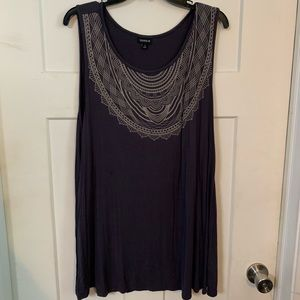 Torrid size 3 sleeveless top with printed neckline